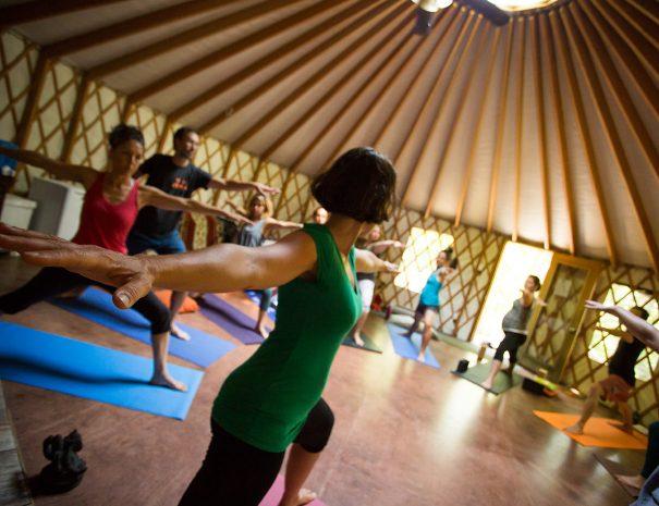 Yoga yourte ressemblement